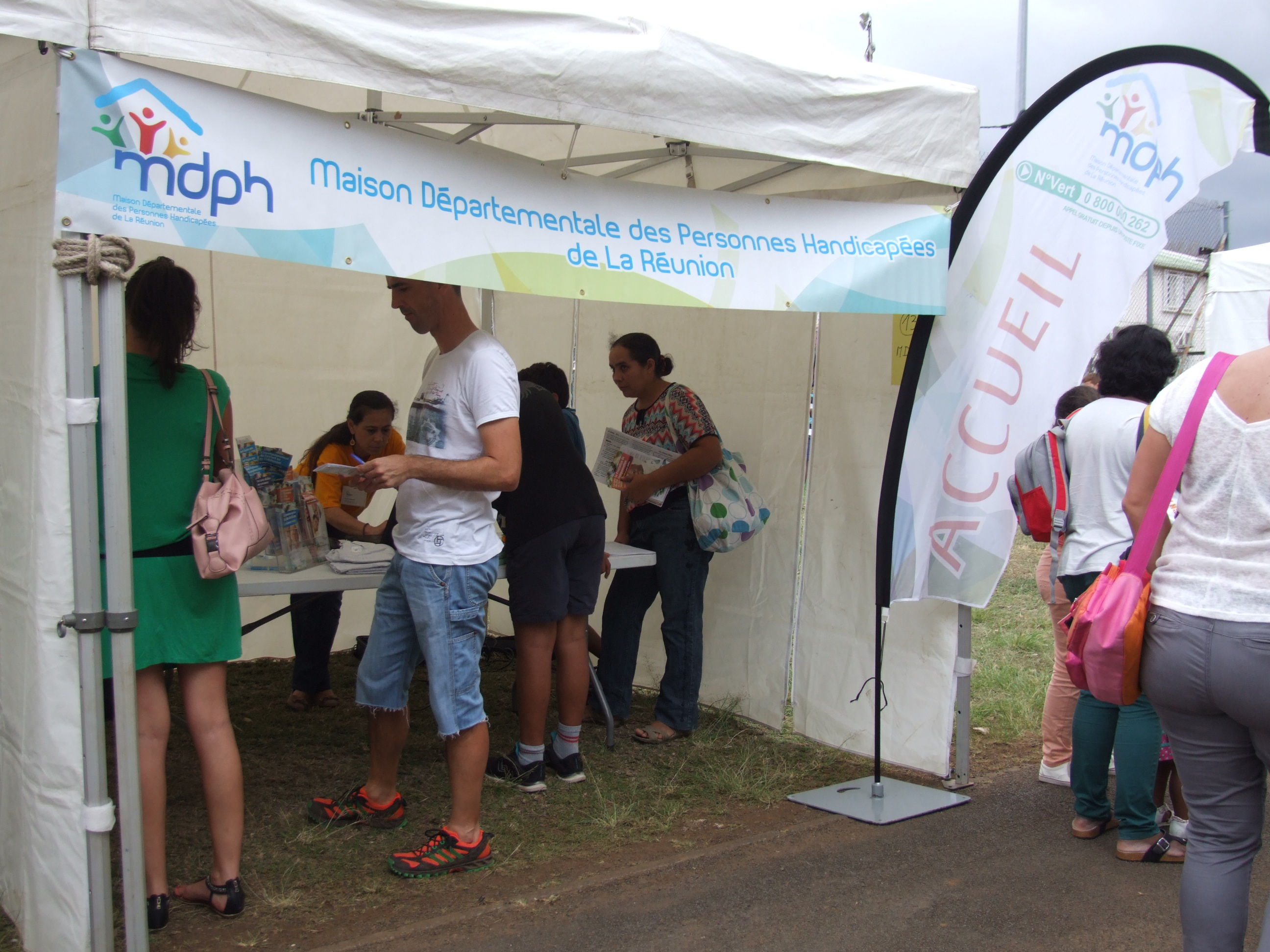 Photo Journee Nationale des Dys 2015 - 15 - Stand Maison Departemental des Personnes Handicapees.JPG