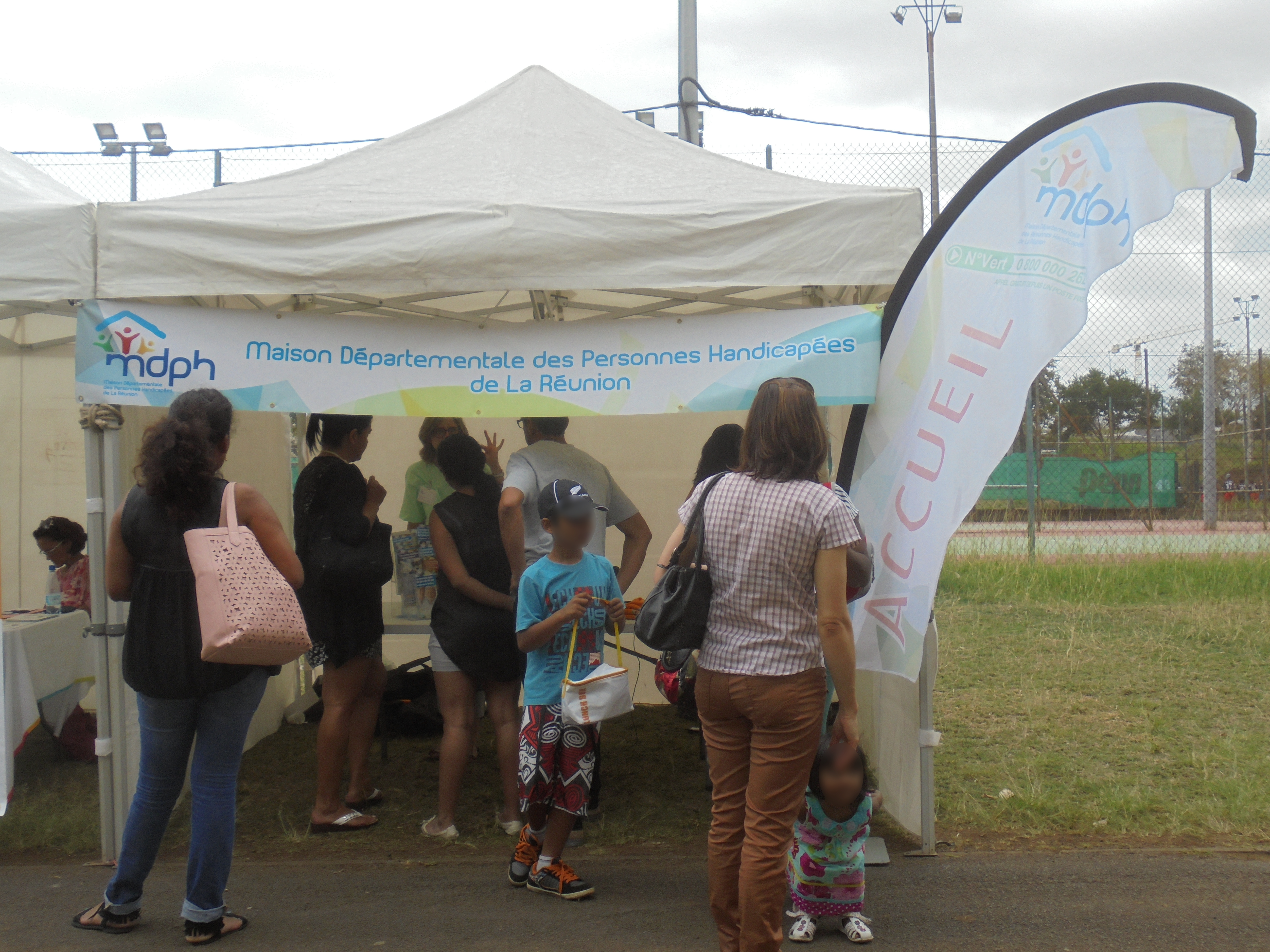 Photo Journee Nationale des Dys 2015 - 16 - Stand Maison Departemental des Personnes Handicapees.JPG