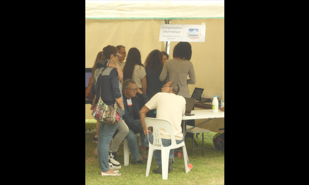Photo Journee Nationale des DYS 2017 - 18 - Stand Apedys Compensation Informatique.JPG